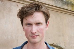 """Mikkel Boe Følsgaard, Alba August og Iben Hjejle er på rollelisten i den postapokalyptiske serie """"The Rain""""."""