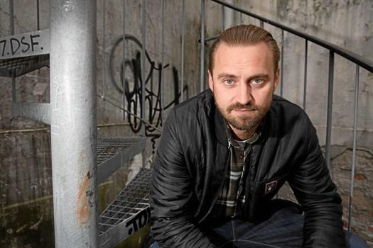 """Når en række danske kendisser til efteråret skal lære jive, rumba og vals for åben skærm i """"Vild med dans"""", er rapperen Jokeren med det borgerlige navn Jesper Dahl en af deltagerne"""
