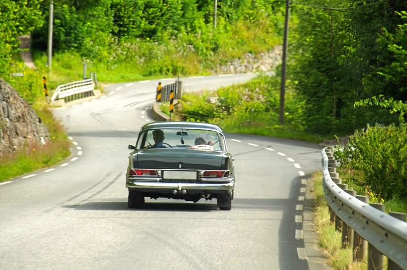 Skal I på bilferie, er det en god idé at tjekke, om der skal købes miljømærke, inden I begiver jer ud på landevejene.