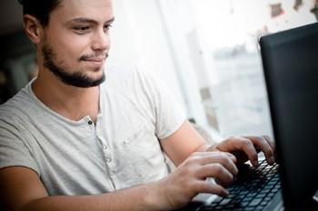 Det tager ikke mere end en halv times tid, hvis du vil have hurtigere internet. Free/Eugenio Marongiu