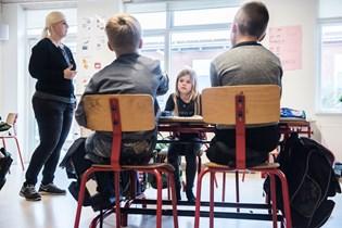 Kun børn af akademikere opfylder mål om, at 80 procent af eleverne skal klare sig godt i dansk og matematik.