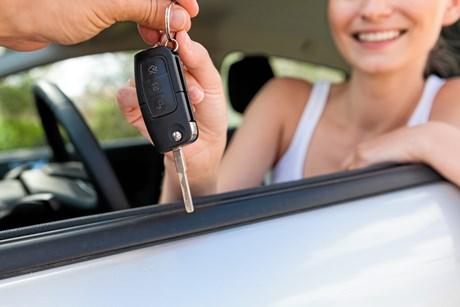 Nye tal fra Danmarks Statistik viser, antallet af nye personbiler faldt i juli.