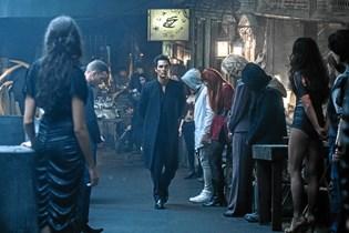 "De danske filmanmeldere tager ikke godt imod filminstruktør Nikolaj Arcels første Hollywood-film ""The Dark Tower"", der har premiere i Danmark torsdag."