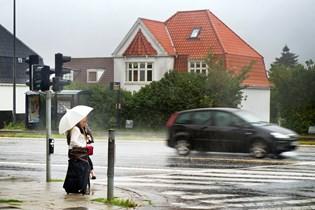 Man skal sørge for at medbringe paraplyen, hvis man skal ud i weekenden, lyder det fra DMI.