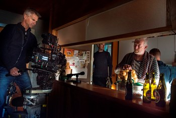 På billedet ses optagelserne til filmen 'Gud taler ud', der er én af de tre danske film, der kæmper for en Oscar. Foto: Jens Thaysen/Scanpix 2017