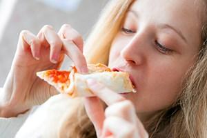 Små, hyppige måltider lyder som en sund livsstil og en god måde at holde fordøjelsen i gang på.