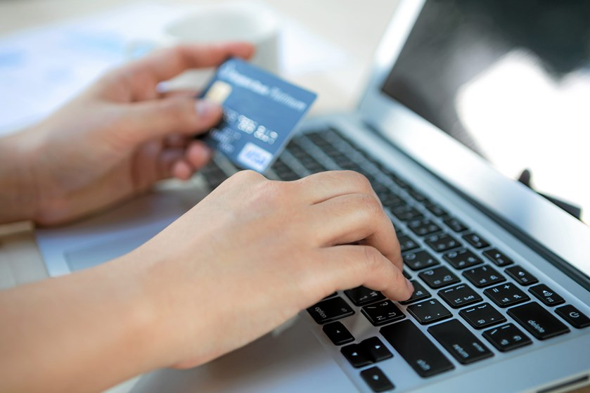 Danskerne vil i løbet af 2017 købe for 83,8 milliarder online. Det er en fordobling i nethandlen på få år