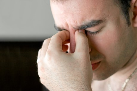 Der er en række ting, du kan gøre for at forebygge et migræneanfald.