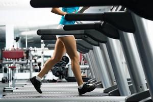 En god grundhygiejne beskytter mod risikoen for at få forskellige infektioner - også når man tager til træning for at holde sig sund og rask.
