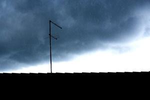 Tag grundigt fat, og gennemgå både hus og have ganske nøje, inden vinden for alvor blæser ind over landet.