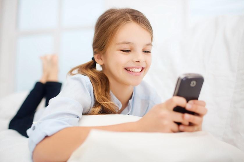 Nogle skoler forsøger sig med forbud mod mobiltelefoner i skoletiden. Skal der så også være et regelsæt for mobilbrug derhjemme?