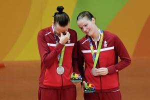 Christinna Pedersen mener, at hun og Kamilla Rytter Juhl er blevet bedre på banen, fordi de er kærester