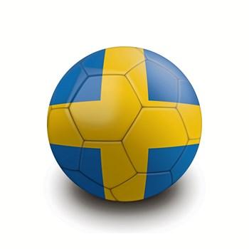 DBU har endnu ikke meldt afbud til fredagens landskamp mod Sverige, oplyser det svenske forbund.