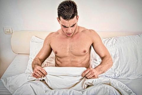 Råd om at spise laks og mandler florerer i håbet om at forbedre sin fertilitet. Hvis noget af det virkede, ville lægerne anbefale det, siger professor.