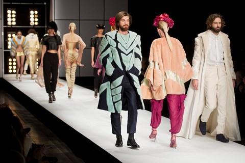 Flere store modekæder er begyndt at stoppe brugen af pels