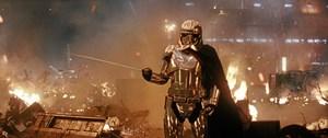 Ovenpå et skuffende regnskab oplyser Disney-direktør, at der kommer tre Star Wars-film og en Star Wars-serie.