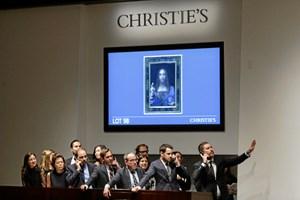 Et cirka 500 år gammelt maleri af Leonardo da Vinci er blevet solgt for 2,8 milliarder kroner.