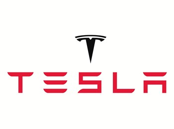 Elbilproducenten Tesla har ved en begivenhed i Los Angeles lanceret sin første lastbil nogensinde.