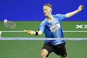 Den 20-årige badmintonspiller Anders Antonsen er klar til kvartfinalen i Super Series-turneringen i Hongkong.