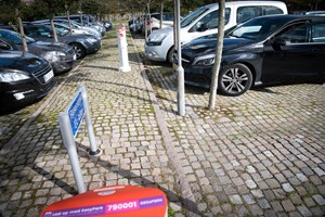 Opgørelse viser, at antallet af skader falder, hvis bilister bakker ind på parkeringspladser