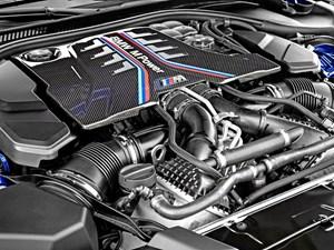 En af dem, der rager op blandt bilverdenens legender, er BMW M5. Nu er den nye model her og med endnu større effekt fra V8-motoren