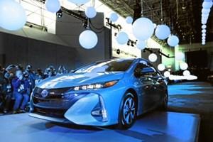 En hybridbil kan være en god mellemvej mellem en elbil og en benzinbil. Men den egner sig bedst til bilister, der hovedsageligt kører kortere ture.