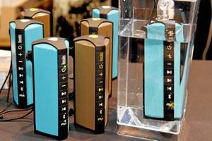 Nu til dags kan du vælge mellem en trådløs højttaler med wi-fi- eller bluetooth-forbindelse. Hvis du ikke kan få begge dele, er her tipsene til at vælge.