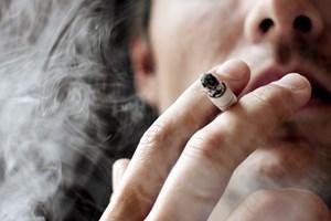Ud af en lang række europæiske lande er Danmark det næstbilligste at være ryger i