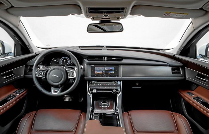 Den nye Jaguar XF Sportbrake byder på elegance og adræt afsæt
