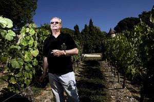 Flere vinforhandlere oplever øget efterspørgsel på vin fra Château de Cayx, skriver lokalavis.
