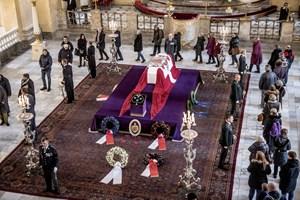 Bisættelsen af prins Henrik betyder blandt andet, at vingerne på historiske møller går i sørgestilling.
