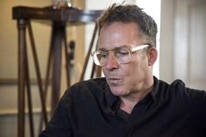 """Det er knap ti år siden, at forfatter Jakob Ejersbo døde. Nu bliver hans roman """"Liberty"""" til en dramaserie."""