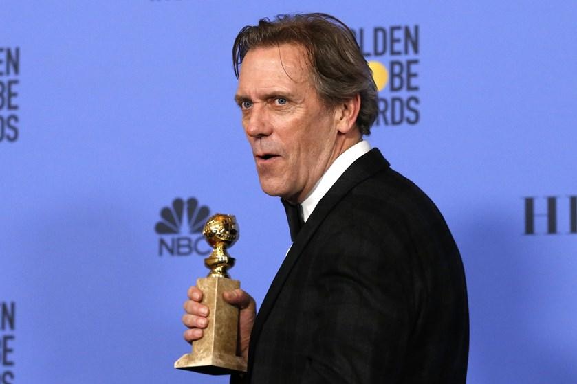 """Tom Hiddleston vinder en Golden Globe for sin hovedrolle i """"Natportieren"""", der er instrueret af Susanne Bier."""