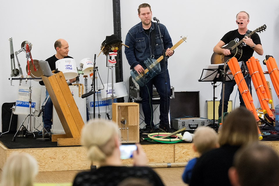 Genbrugsmusik i Frøstrup Foto: Peter Mørk