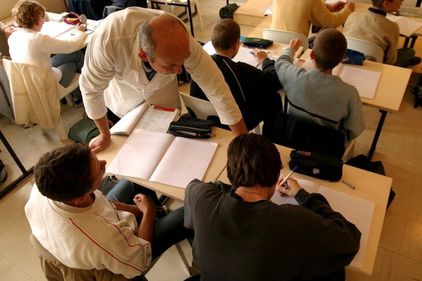 Der er en million kroner at spare om året ved at sende unge på efterskole frem for på institution