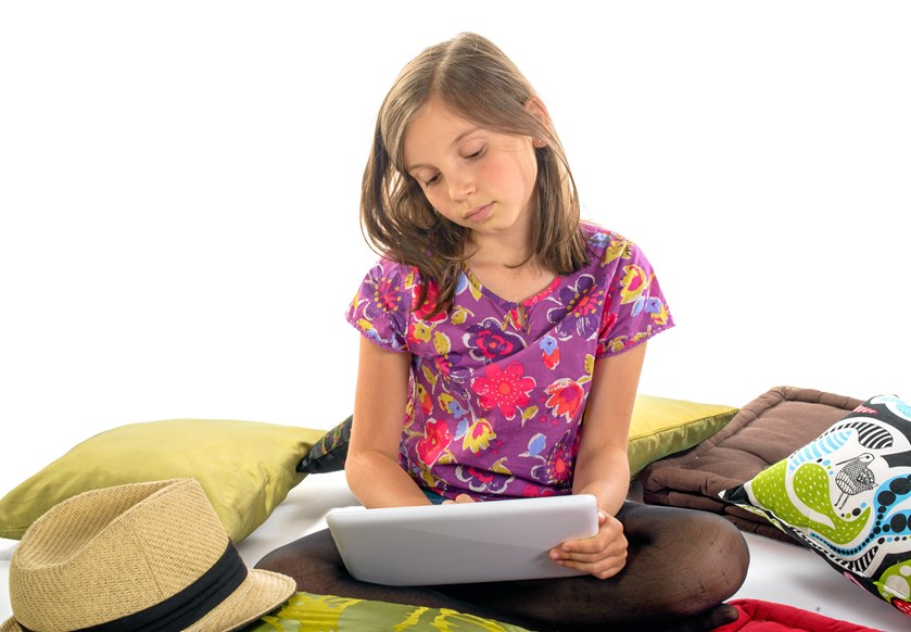 Hvis dit barn sidder klistret til iPaden fra morgen til aften, så læs lige eksperternes råd