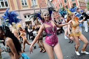 Sommer: Solen vil danse til weekendens hede sambarytmer