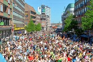Politi: Fredeligt karneval - med tre alvorlige episoder