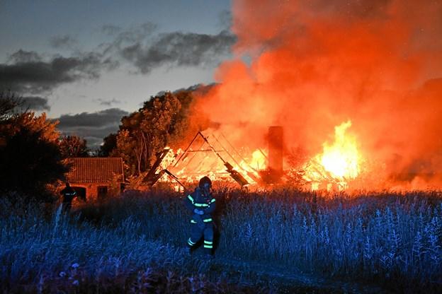 Ubeboet stuehus udbrændt