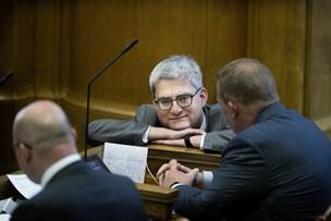 Minister dropper Facebook