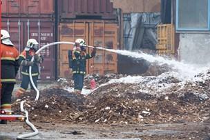 Tonsvis af træflis måtte fjernes ved brand