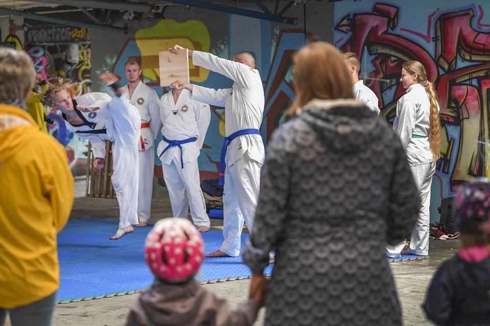 Hele weekenden er der festival i Nørresundby med blandt andet teakwondo på programmet.