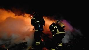 Forladt stuehus stod i flammer