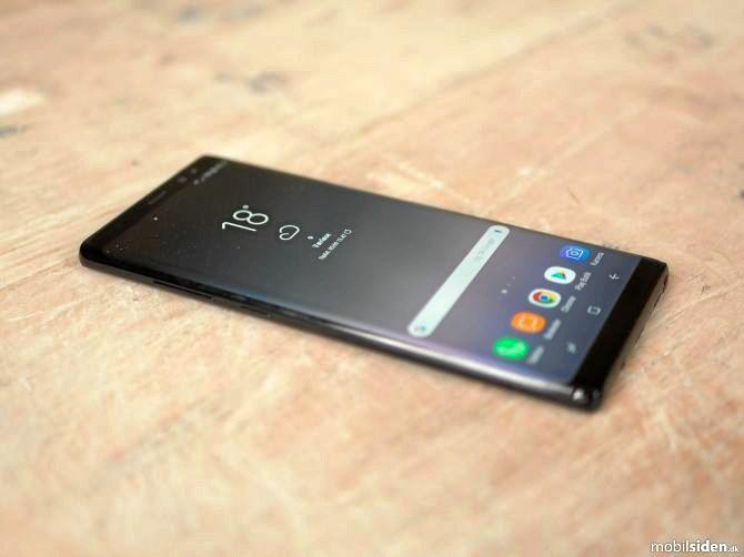 Alt er stort i Samsung Galaxy Note 8 - også prisen