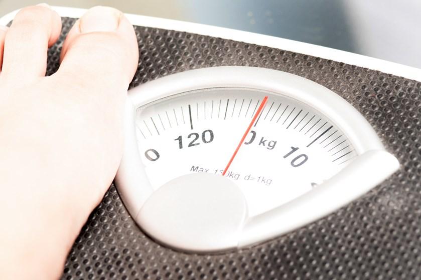 Er du druknet i overfloden af diæter, helsetendenser og sundhedsskoler? Så er der heldigvis en simpel regel, du bør kende, hvis du vil tabe dig.