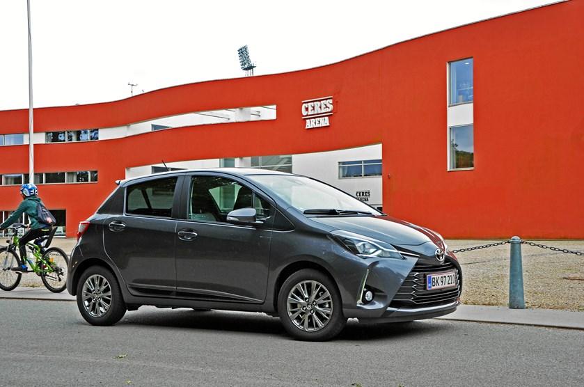 Den megen snak om afgiftsændringer gav lavere salg i august, hvor Peugeot 208 endnu en gang topper hitlisten
