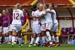 Fodboldkvinder bankede Ungarn