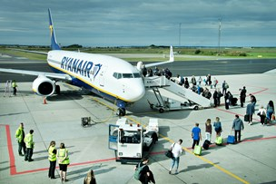 Ryanair tilbyder piloter 100.000 kroner for at opgive ferie