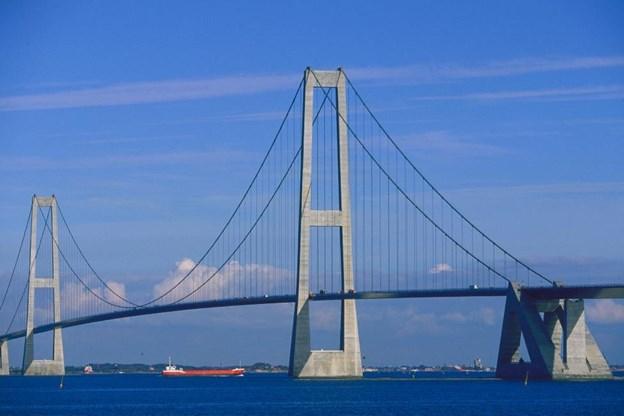 Det bliver billigere at køre over Storebæltsbroen