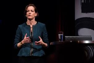 Amerikansk journalist på gæstevisit frygter for demokratiets fremtid